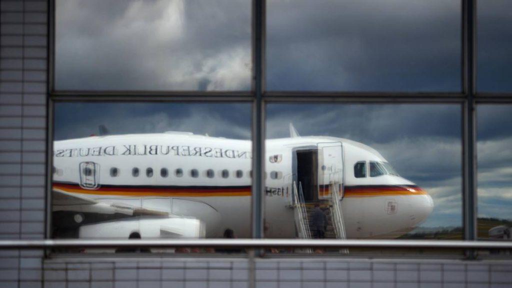 Seehofer in Griechenland: Panne an Regierungsflieger: Ersatzmaschine fliegt leer nach Athen und zurück