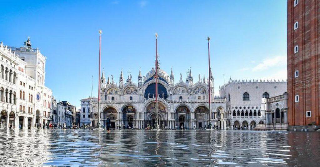 """Pleite-Projekt """"Mose"""" - Der """"italienische BER"""" machte das Hochwasser von Venedig erst möglich"""