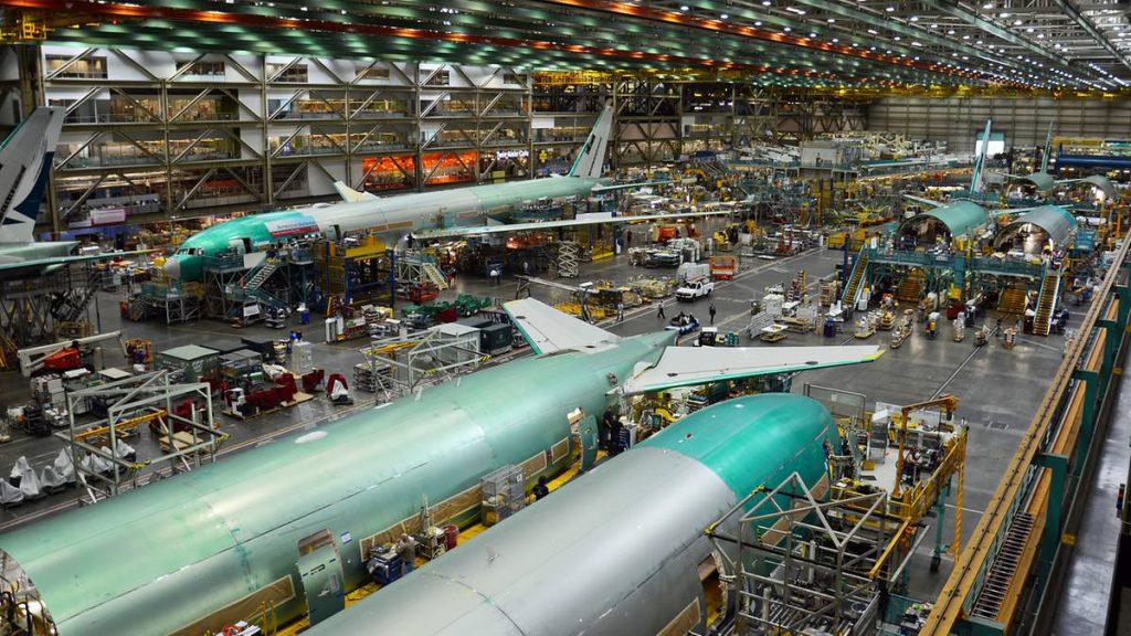Tests für neues Flugzeug: Boeing 777X: Flugkabine des Prototyps platzt bei Belastungstest auf