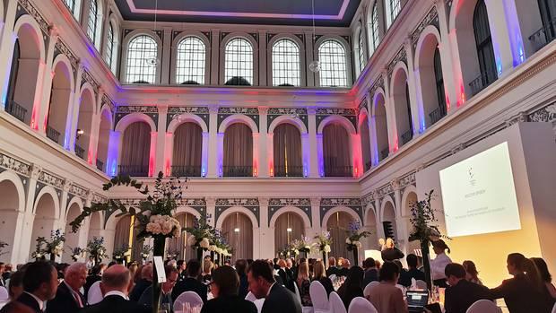 Festlicher Rahmen: Im Börsensaal der Handelskammer Hamburg wurden die Crystal Cabin Awards übergeben