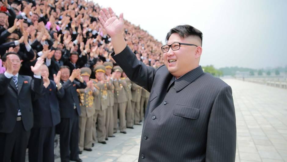 Sozialistisches Samjiyon: Eiskalte Einweihungsparty: Kim Jong Un eröffnet Retortenstadt mit Skigebiet