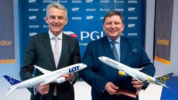 Condor-CEO Ralf Teckentrup (links) und LOT-CEO Rafal Milczarski geben die Übernahme der Condor durch die Polish Aviation Group S.A. (PGL) bekannt, dieMuttergesellschaft der LOT.