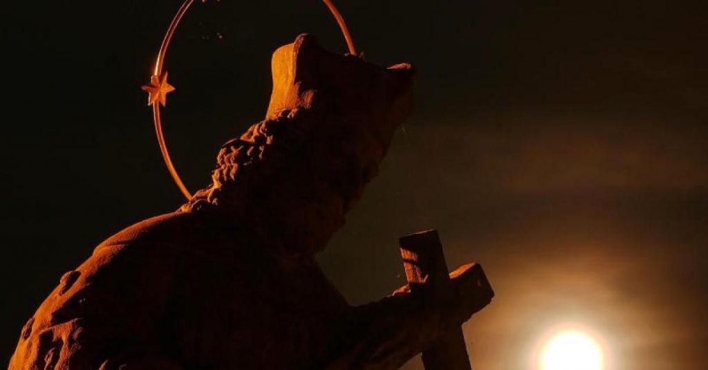 Gegen böse Dämonen - Stellenausschreibung in der Schweiz: Bistum Chur sucht einen Exorzisten