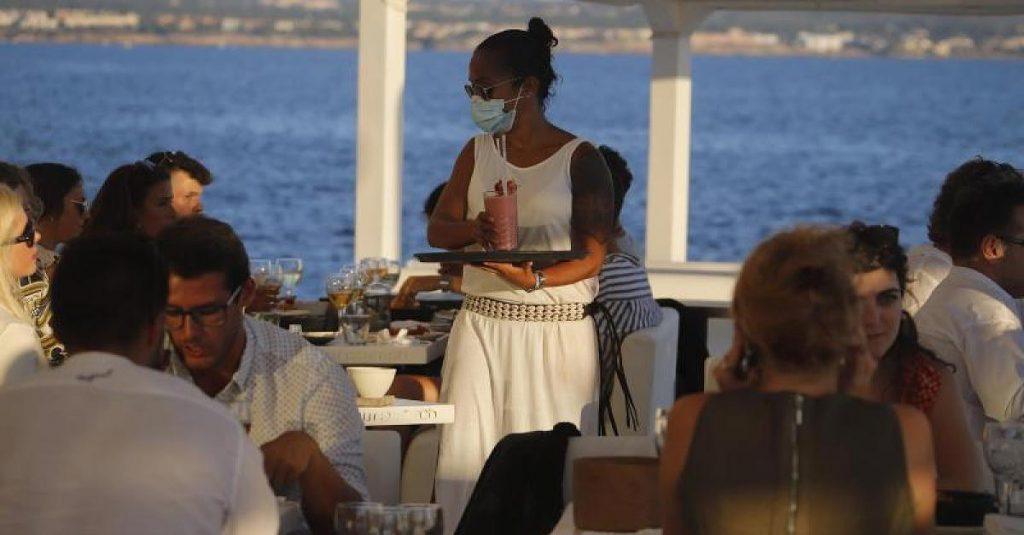Strand, Pool, Restaurant - Maskenpflicht auf Mallorca: Das müssen Urlauber jetzt beachten