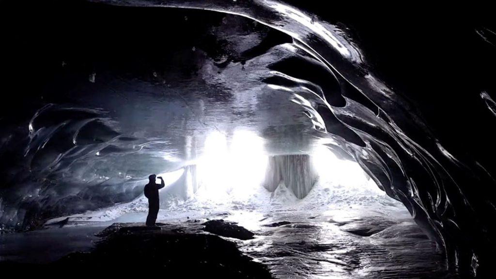 Glacier 3000: Zum ersten Mal für Öffentlichkeit freigegeben: Natürliche Eishöhlen verzaubern Besucher